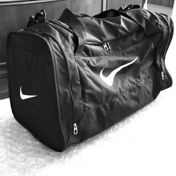 XL Nike Duffle Bag. M 5ad7cf902c705d0a3f099721 9f969b15b5